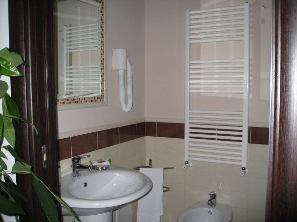 Studio83 da 49 bed and breakfast pompei prenota su - Bagno italiano opinioni ...